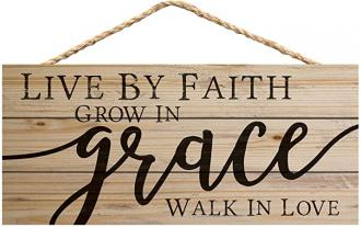 HSA 0183 Veggdekor - Live By Faith, Grow In Grace, Walk In Love (11 x 25 cm)